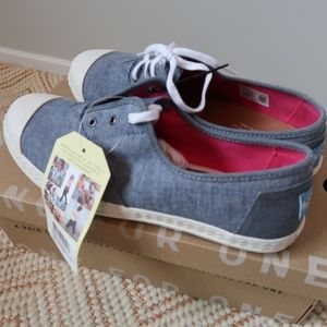 TOMS Chambray blue Zuma Youth Shoes 6Y